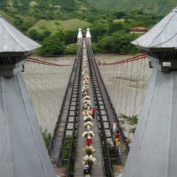 Panorámica del Puente de Occidente